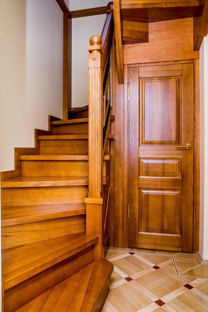 Деревянные входные двери из массива от производителя